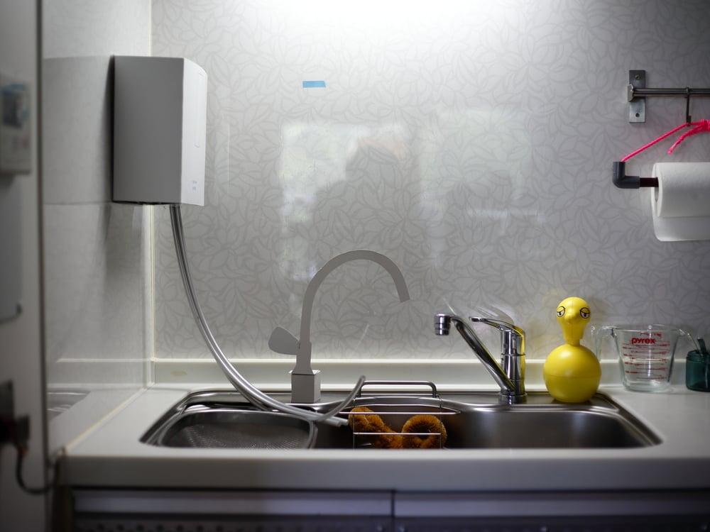 キッチン側面に設置した浄水器の紙模型