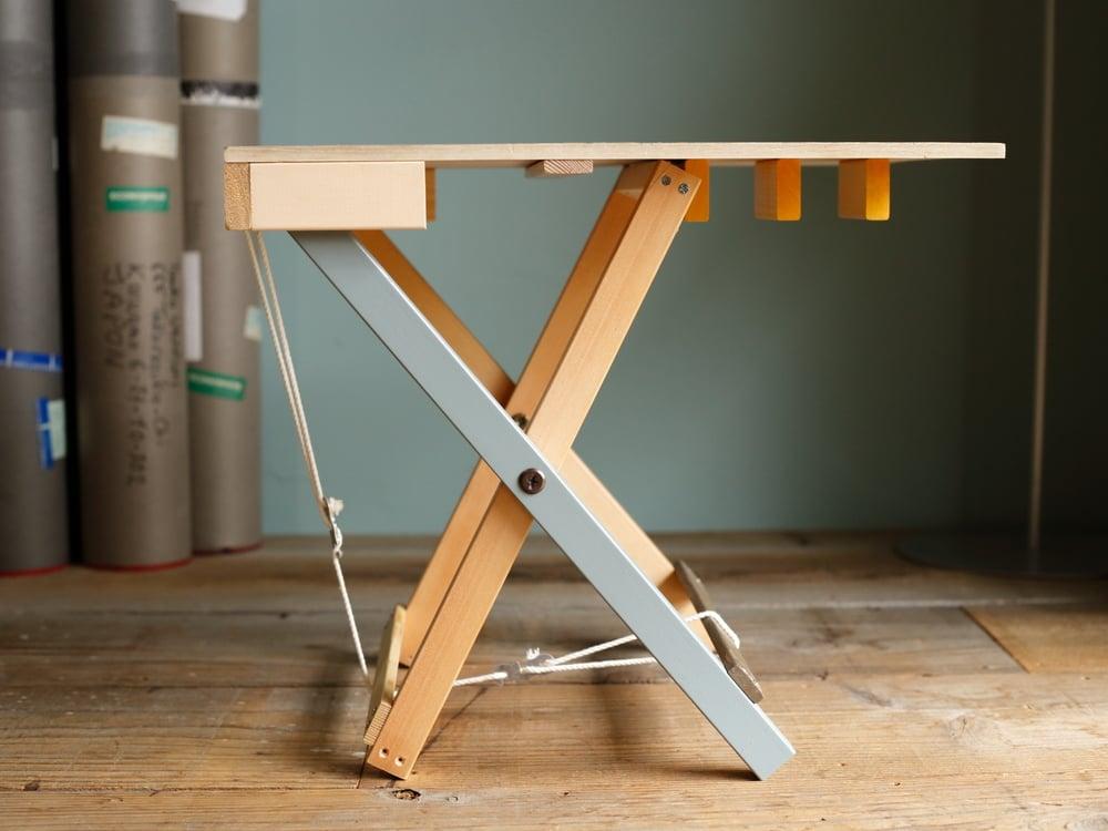 MaKeT SIDE TABLE