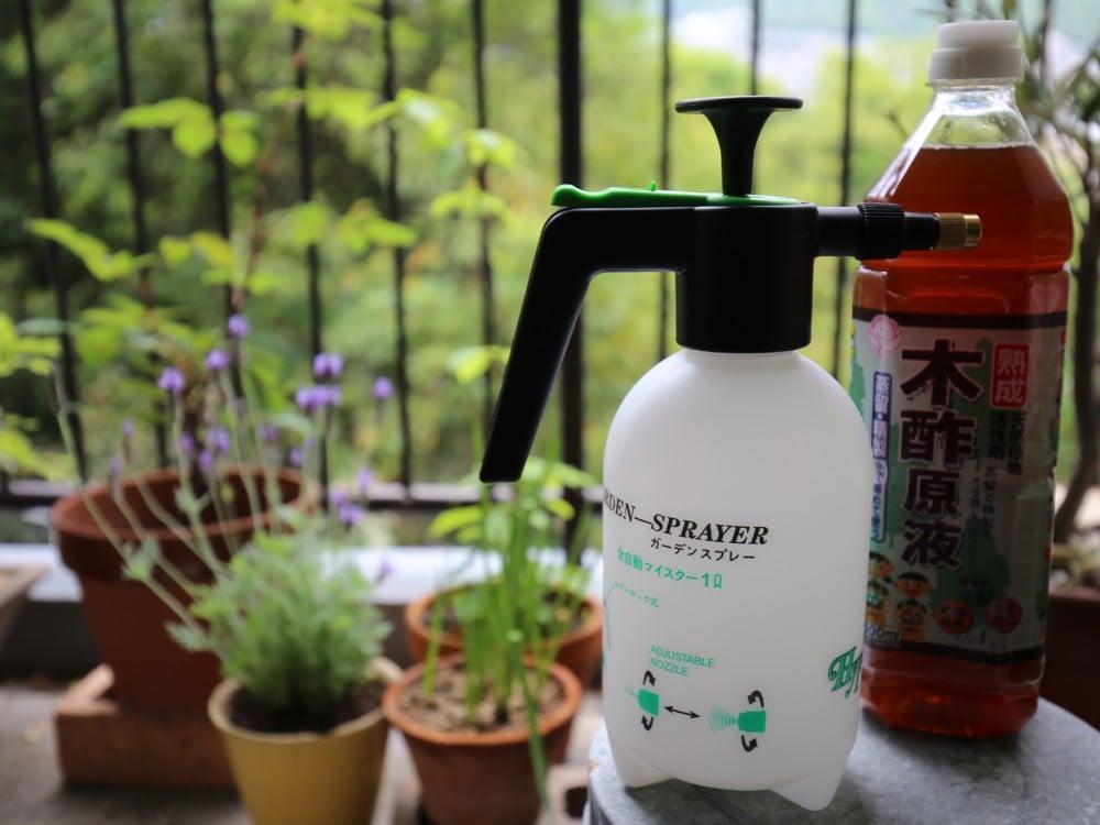 ガーデンスプレーと木酢原液