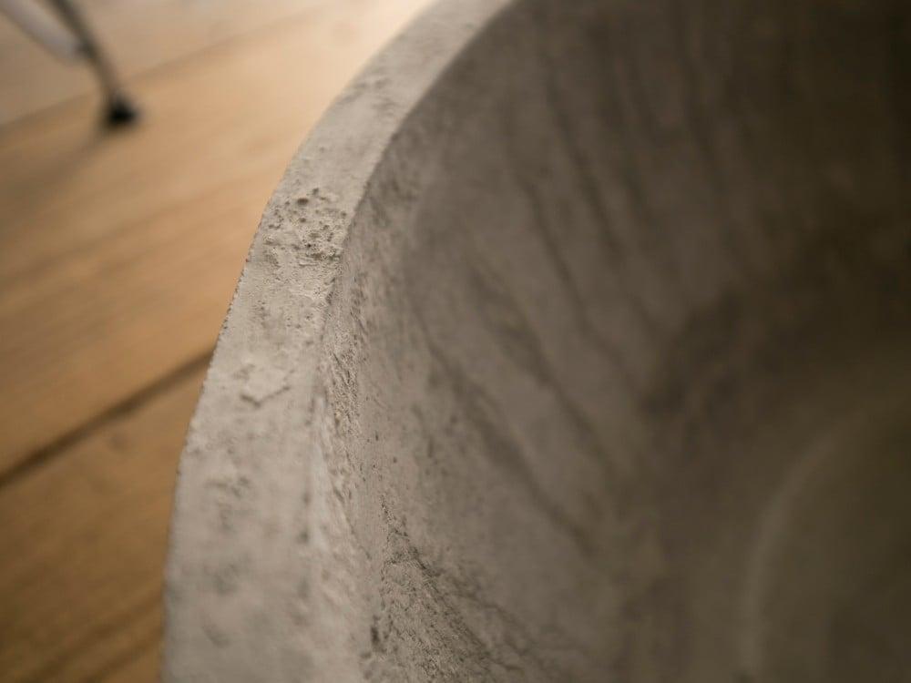 モルタルの鉢の表面