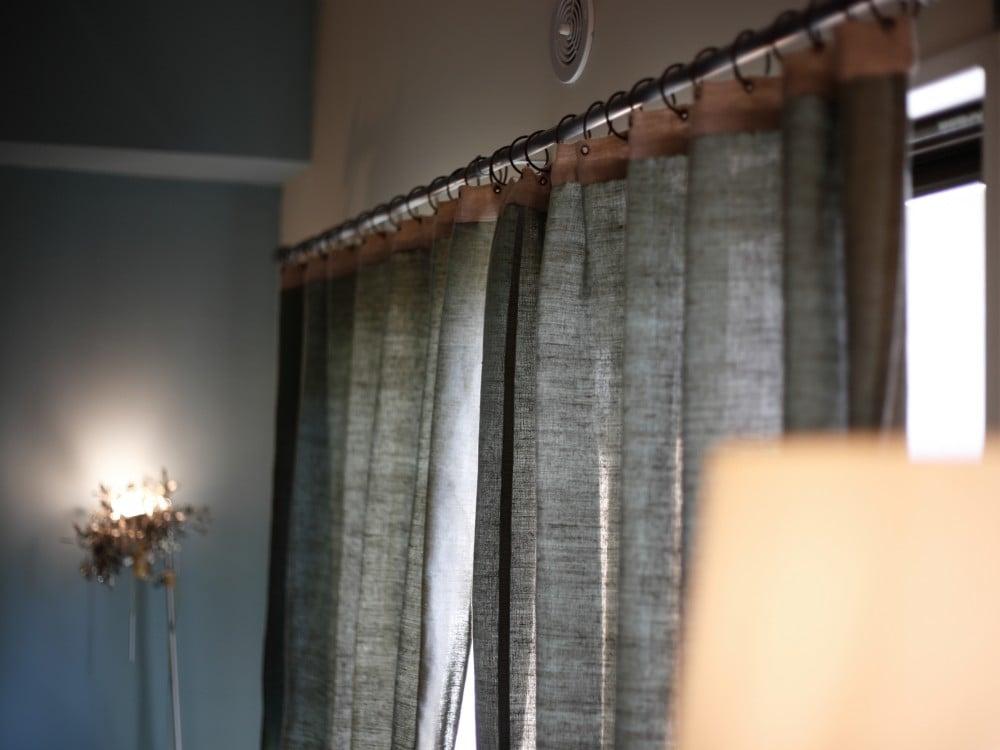 オンフィル・ダンディエンヌのカーテン(グリーン)