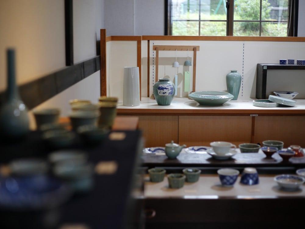 王地山陶器所の棚