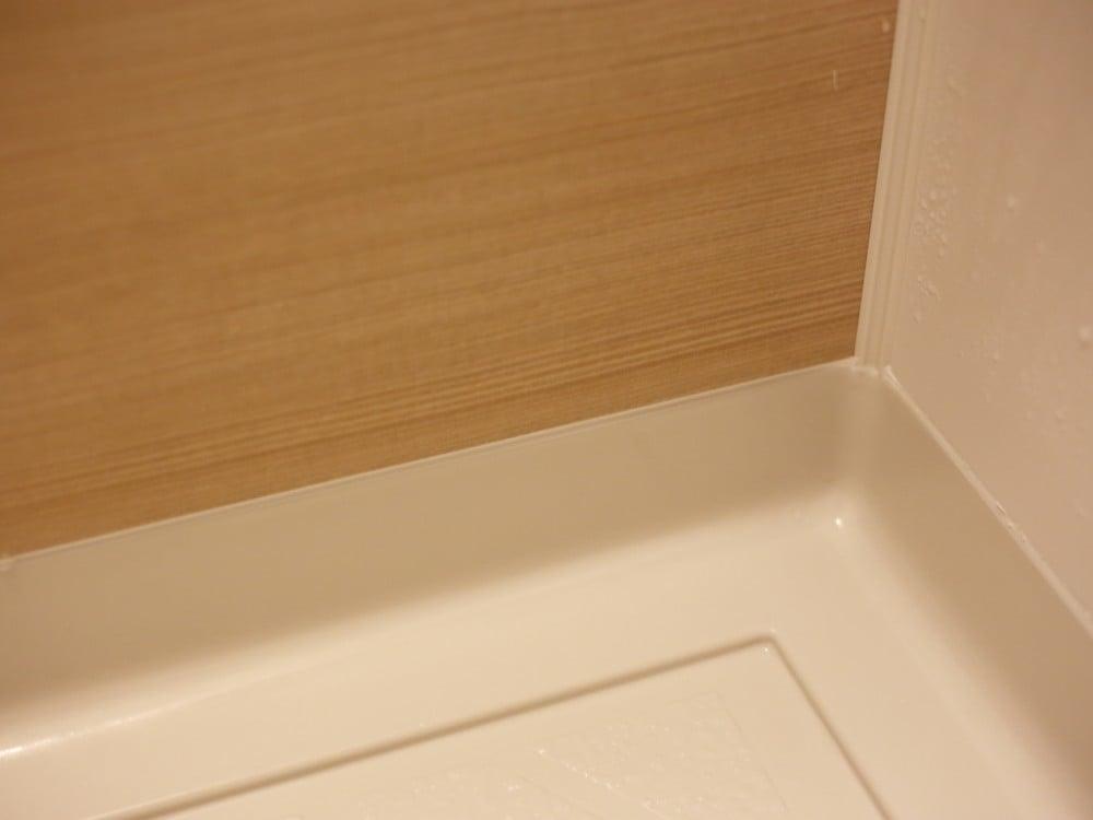 きれいになった浴室のコーキング