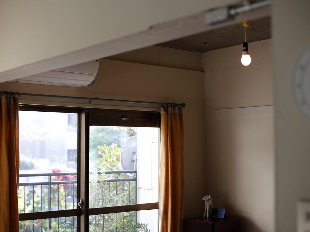 キッチン側から見たエアコン