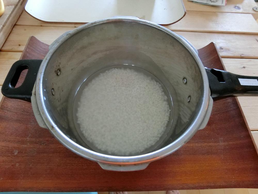 年季の入った圧力鍋