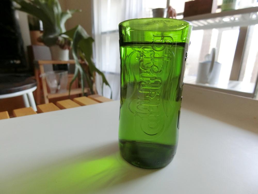 カールスバーグのグラス完成。