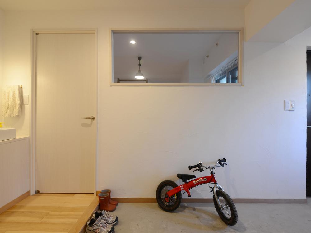 シンプルなFIX窓。