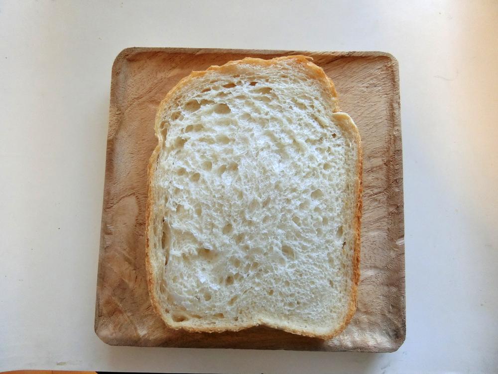 食パン置いてみました。