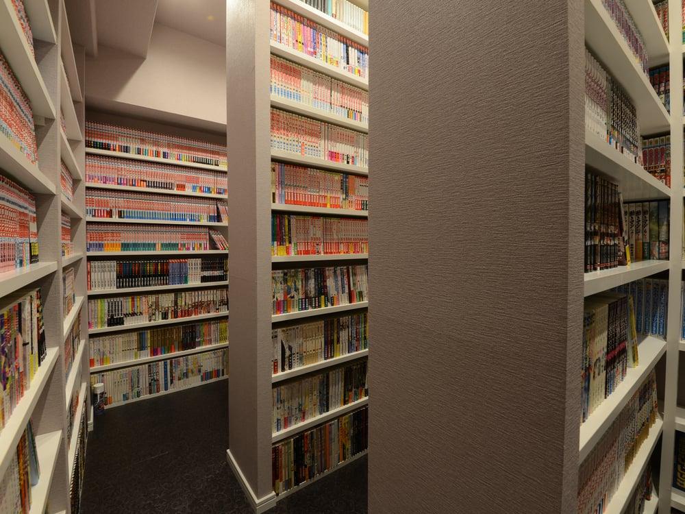 びっしりと漫画、漫画!一部文庫本あり。