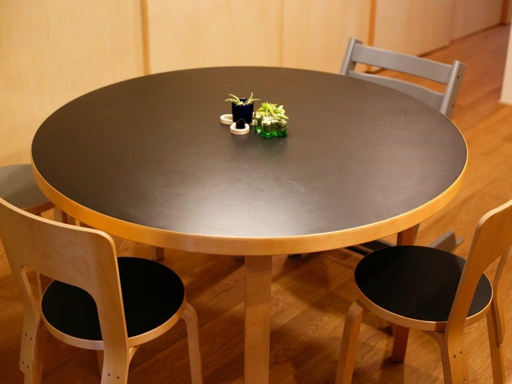 アルテック(artek)のダイニングテーブル