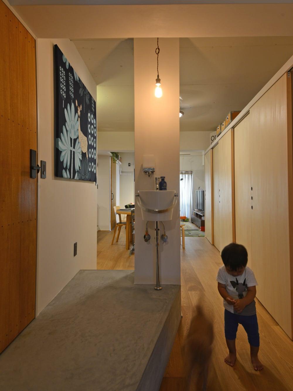 床の立ち上がりは25cm。