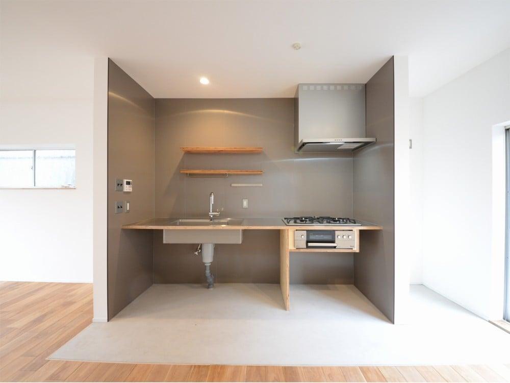 コの字型のキッチンスペース
