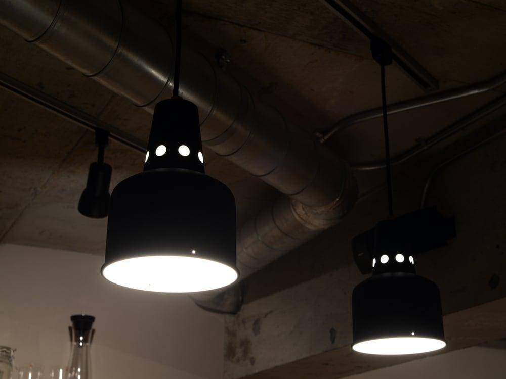 キッチン上部のペンダントライト