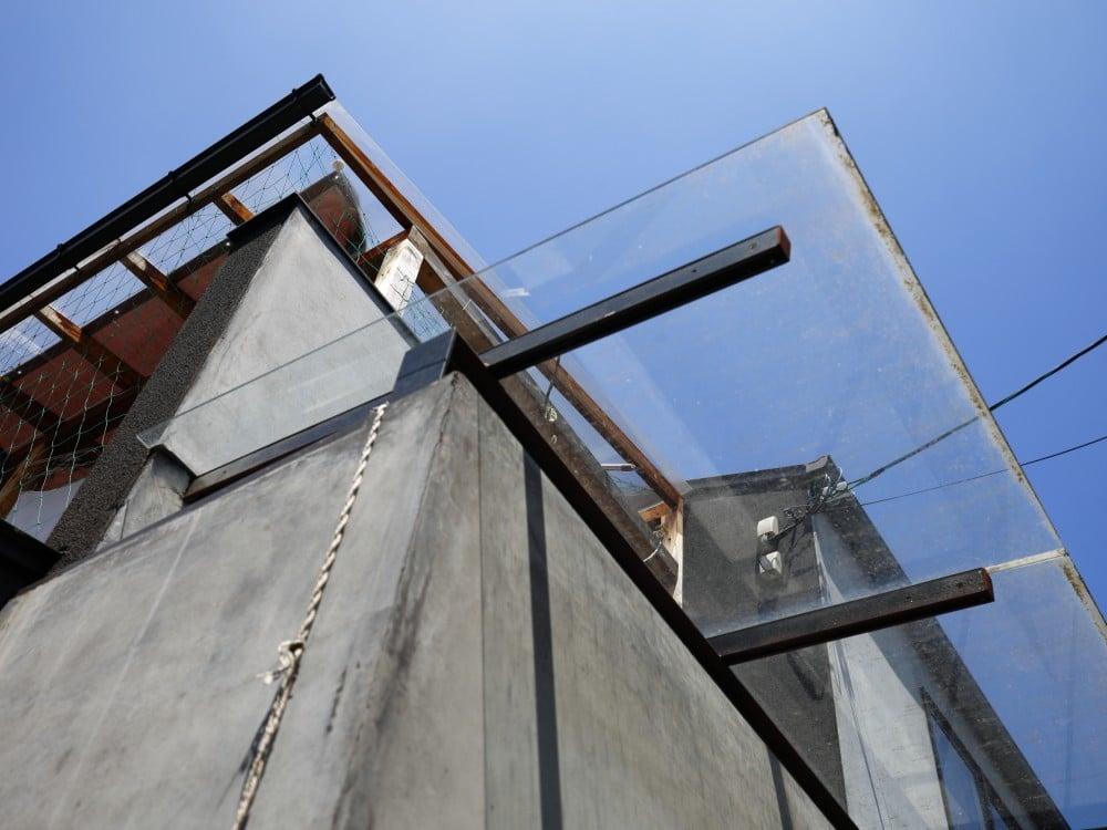 庇と繋がった天窓