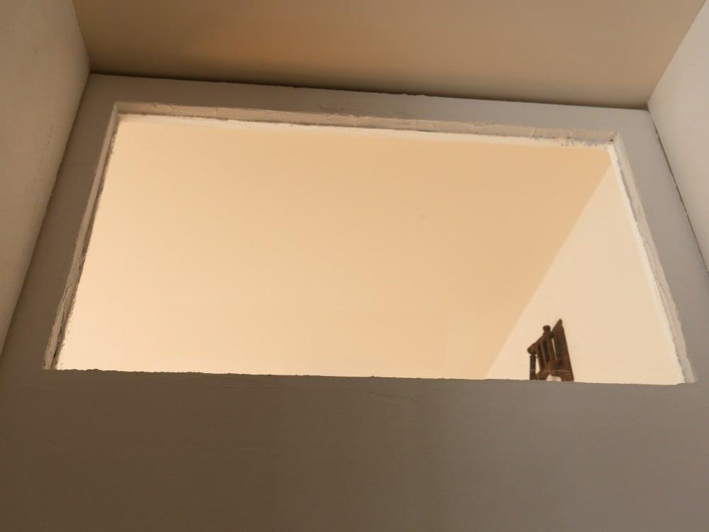 漆喰で塗られた扉