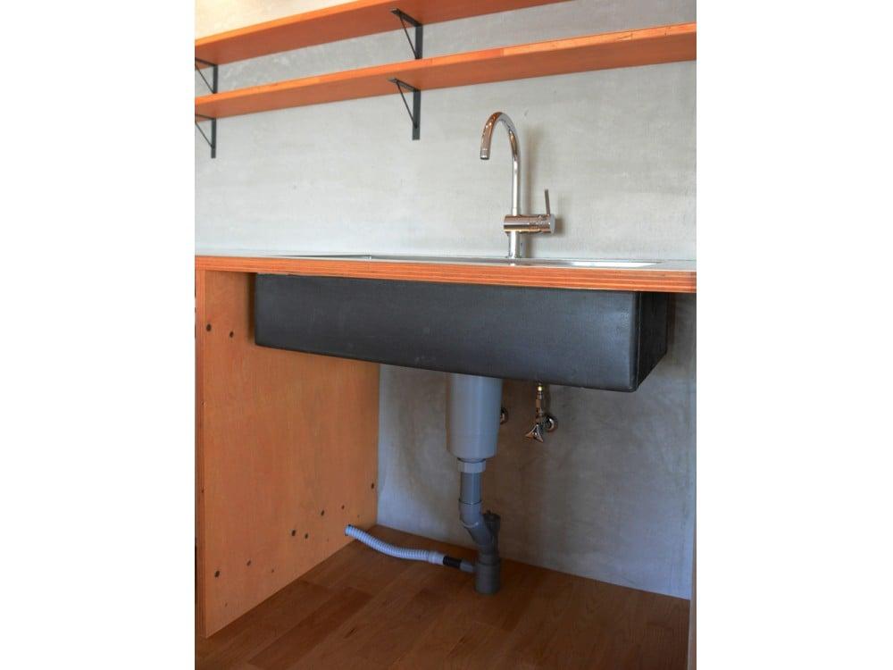 冷蔵庫のドレンをキッチンの排水管にジョイント