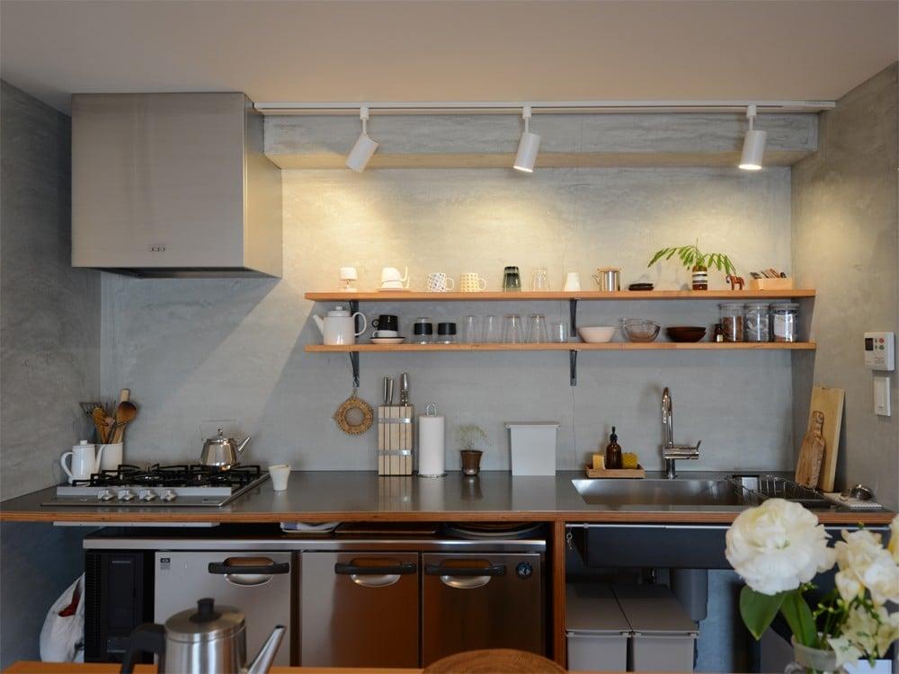食器棚と化した冷蔵庫