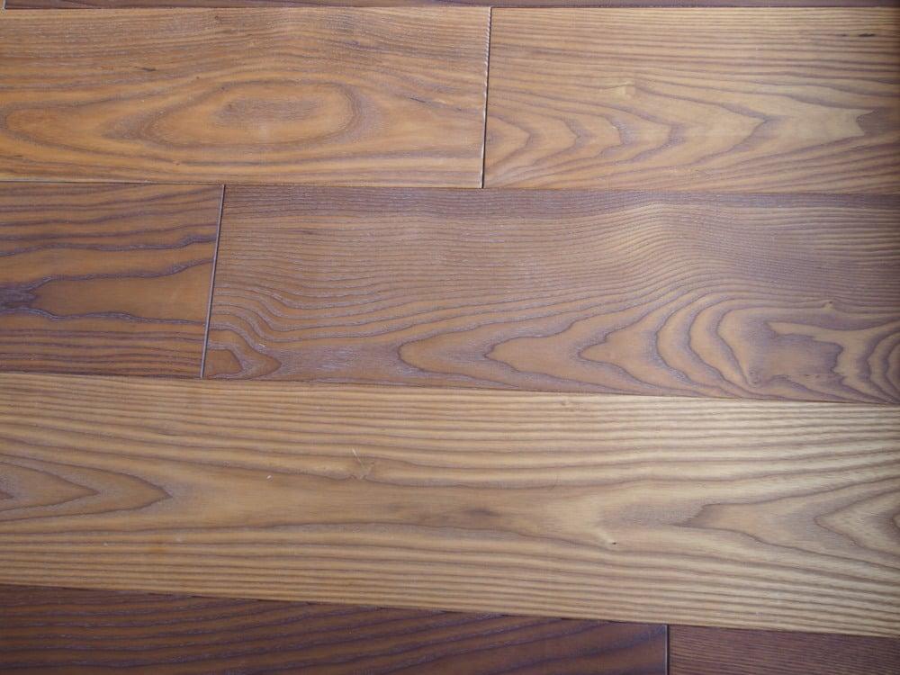 丸紅木材のサーモアッシュ(ブラウン)