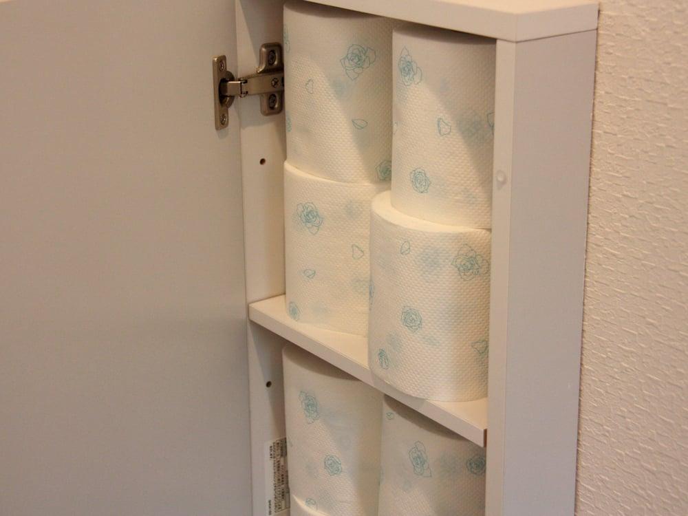 トイレットペーパーが一段に4つ入ります