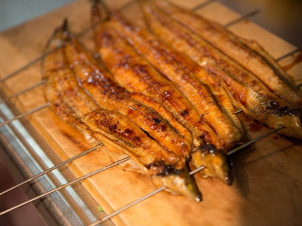美味しそうに焼けた、うなぎの蒲焼き