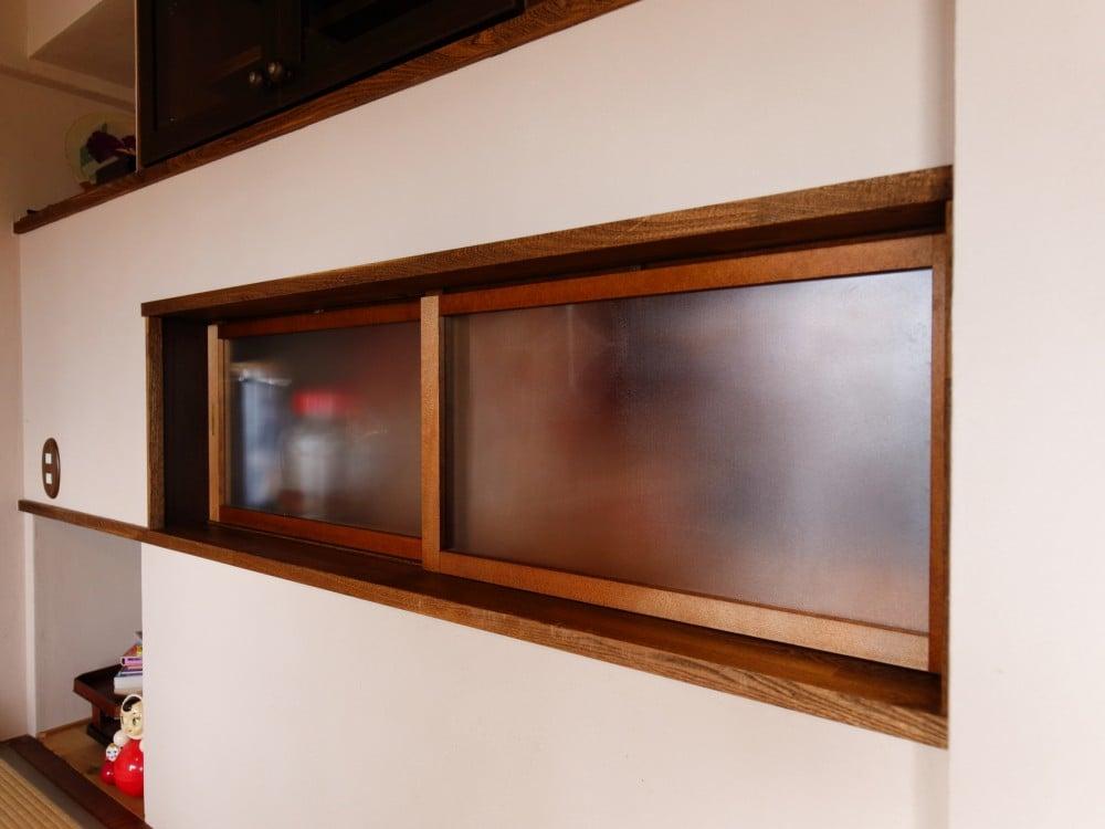 キッチンと和室の間に窓を設ける