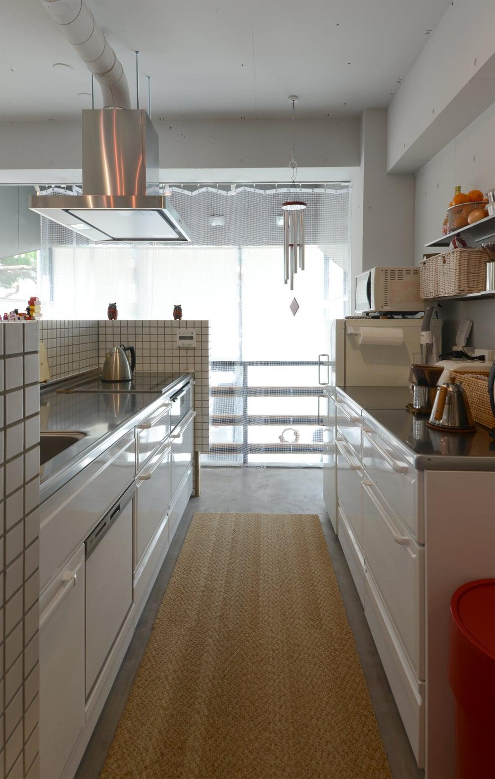 食器洗い乾燥機の位置が珍しい。シンクから近い距離にあります。