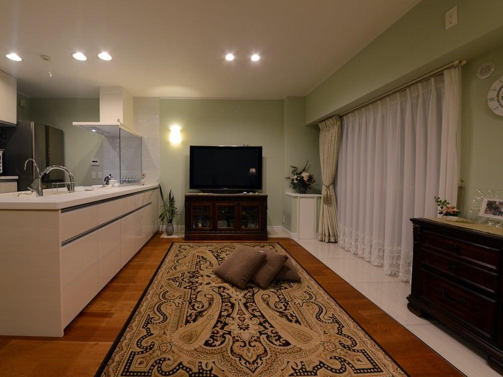 キッチンの前は何も置かないゆとりのスペース