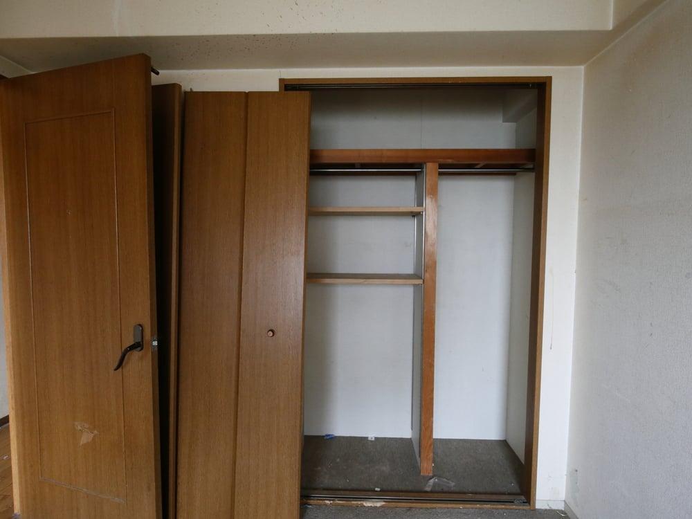寝室からもアクセスできる書斎が完成する予定です。