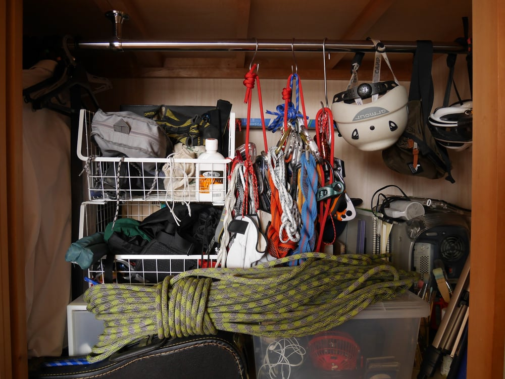 布団を入れていた押し入れは登山、クライミング用具庫に。