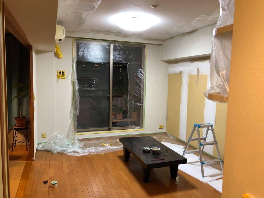 塗装が終わると夜が更けて台風が到来していた。