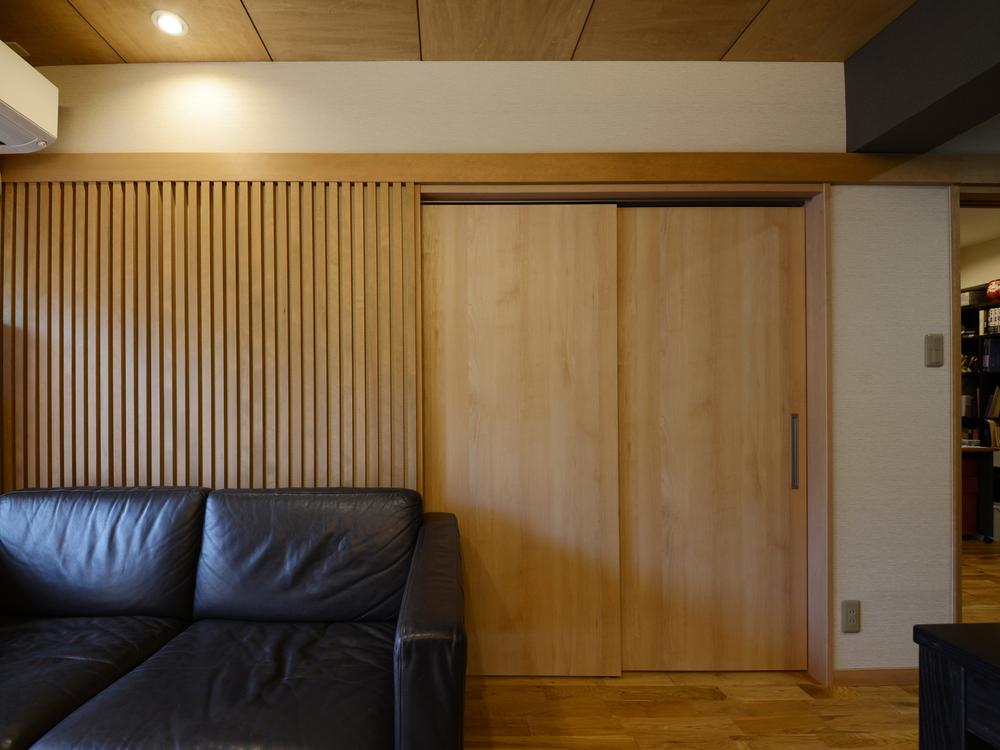 縦格子の壁