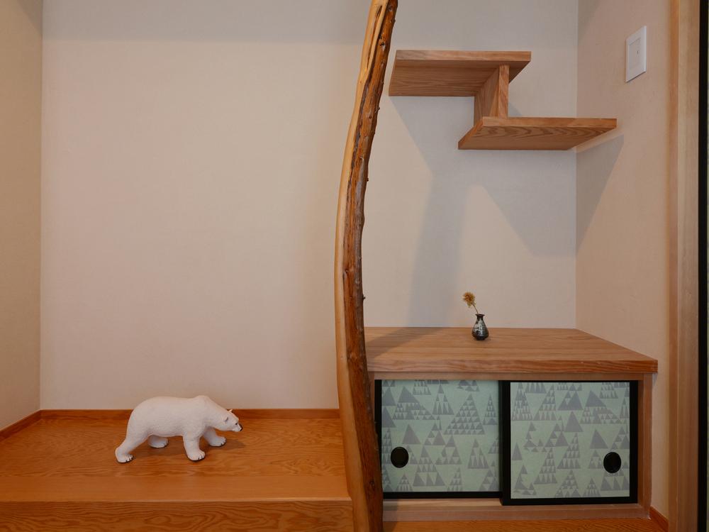 和室にはミスマッチに思える白熊が、この和室にはよく似合う。
