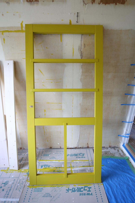 グリーンシトラスで塗装したリビングドア