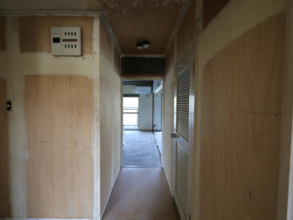 リフォーム中の廊下