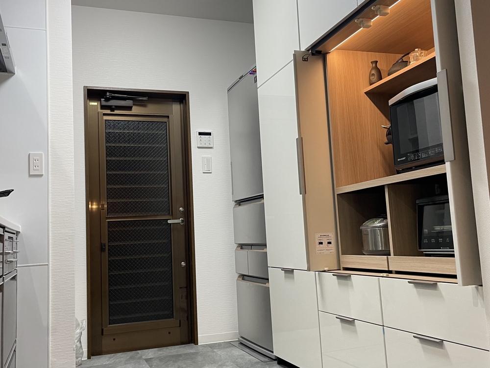 観音開きの家電収納スペースがイイカンジ